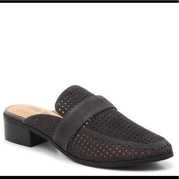 me too Shoes   Jace Mules In Black